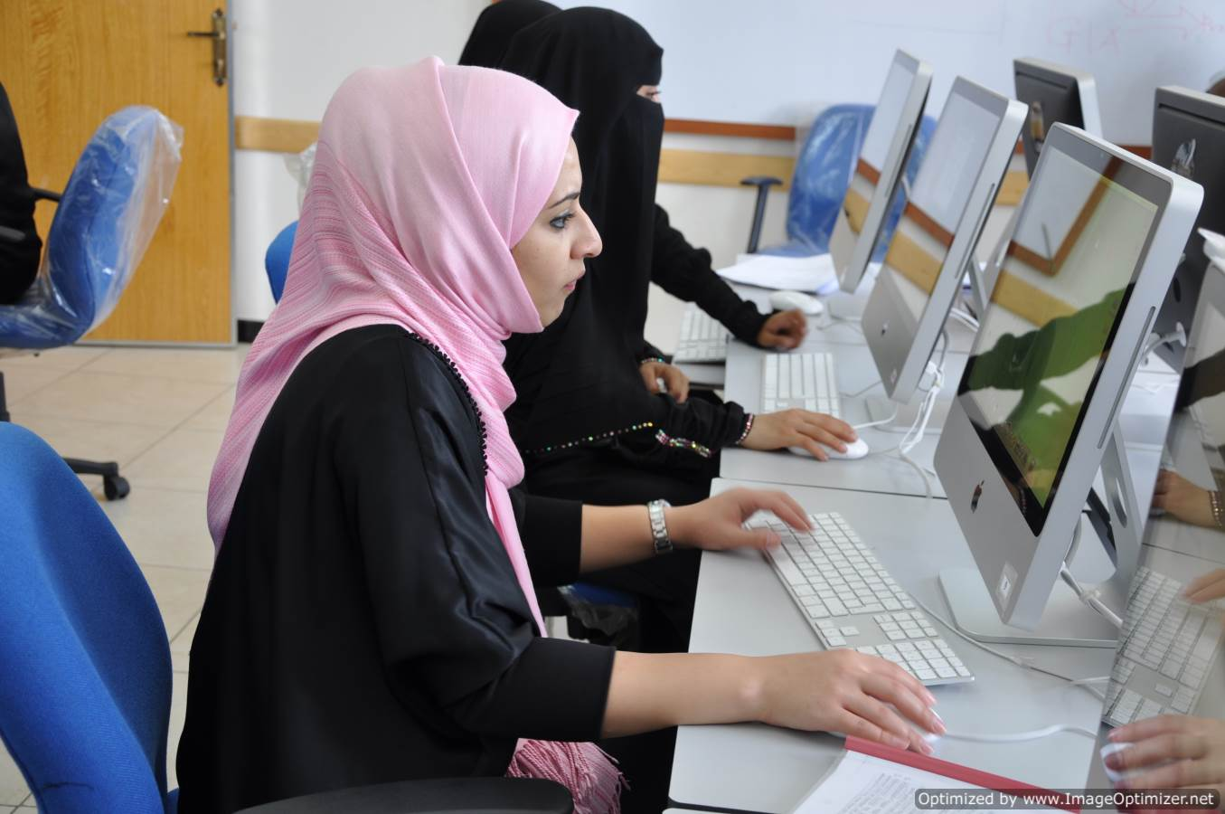 الحاسبات وتكنولوجيا المعلومات