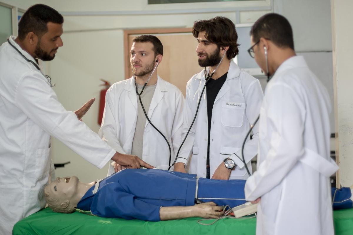بكالوريوس الطب والجراحة